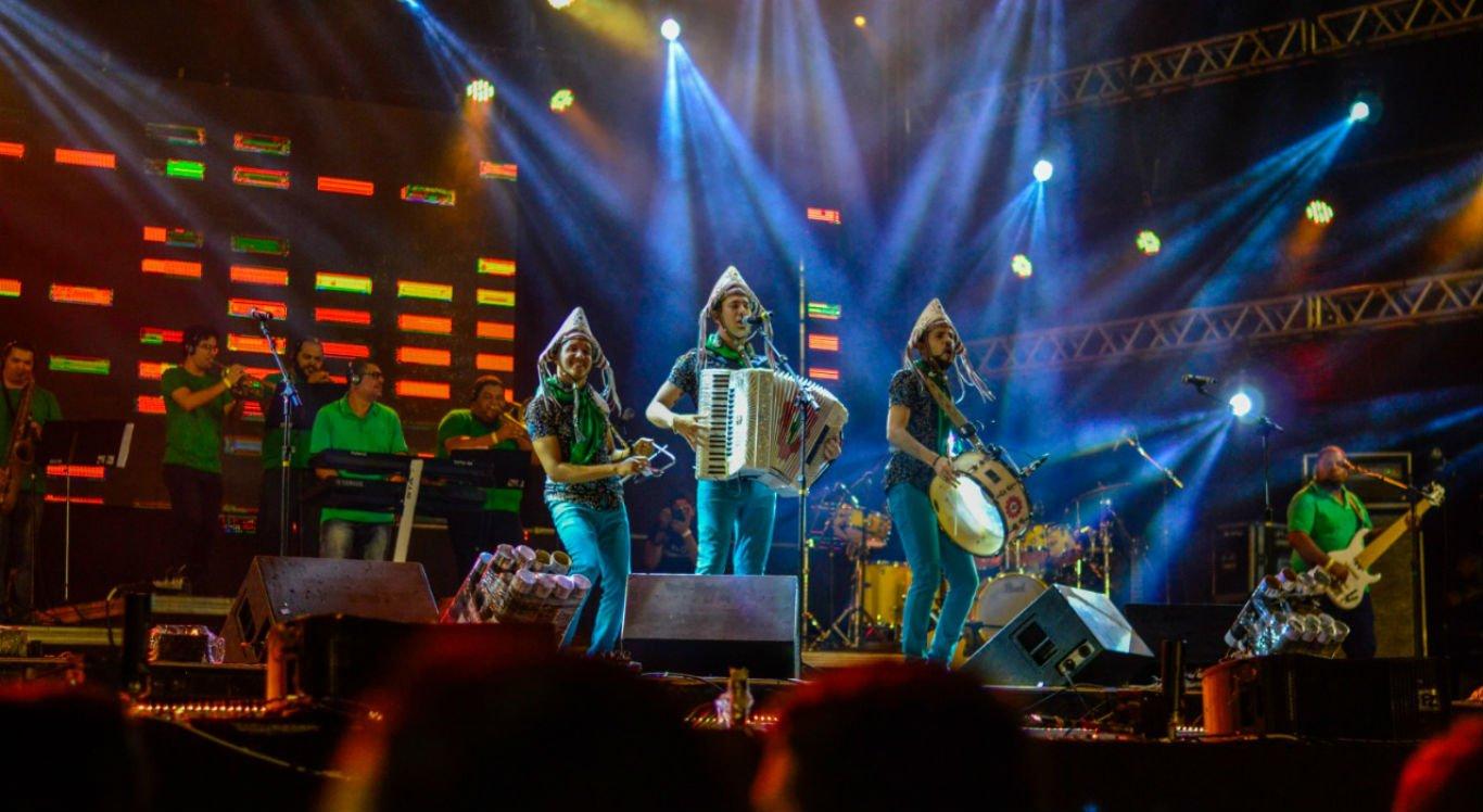 Banda Fulô de Mandacaru foi a segunda atração da noite de shows no Pátio do Forró