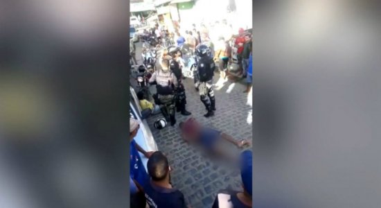 Suspeito de assalto é detido e interrogado pela polícia; veja vídeo