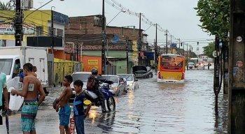Vários pontos de Pernambuco ficaram alagados