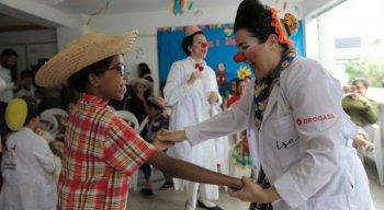 Quatro hospitais recebem a encenação dos Doutores da Alegria