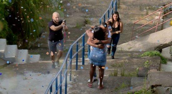 Após 16 anos, mãe reencontra filho com ajuda da Turma do Barra