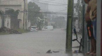 A Agência Pernambucana de Águas e Clima (Apac) emitiu alerta de chuva forte para o Grande Recife e Zona da Mata