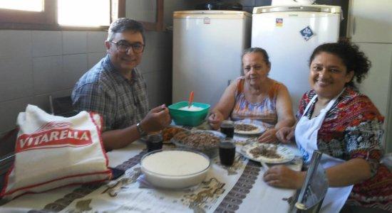 Chef Wellington prepara Paçoca de Carne e Pirão de Queijo em Caruaru