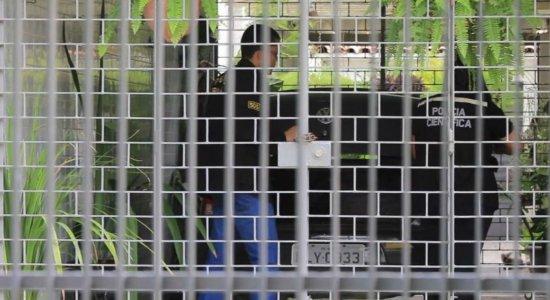 Ex-empregada é presa suspeita de matar e roubar idosas em Olinda