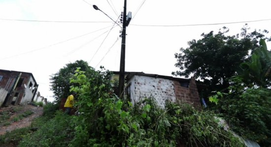 Nova barreira com risco de queda preocupa moradores de Camaragibe