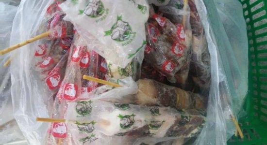 Procon recolhe diversos produtos vencidos nem frigorífico na Boa Vista