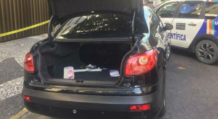 O carro utilizado pelos assaltantes foi localizado pela polícia na Rua dos Navegantes, também em Boa Viagem