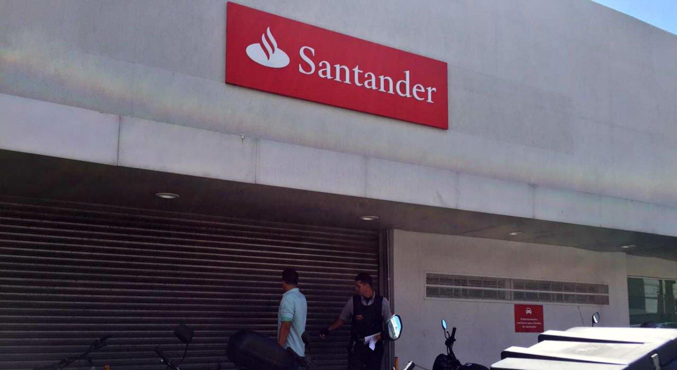 Saidinha de banco em agência do Santander deixa dois feridos