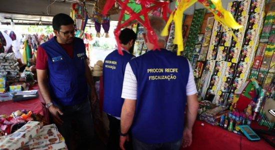 Procon Recife realiza fiscalização em barracas de fogos de artifício