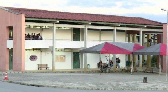 Criminosos assaltam vigilantes na UFPE