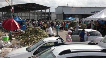 Clientes tiveram que enfrentar trânsito no Ceasa pela manhã desta sexta-feira (21)