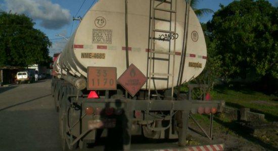 PM sem viatura: Agentes penitenciários recuperam caminhão roubado