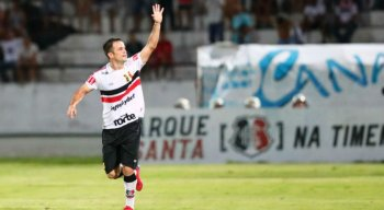 Pipico marcou o gol da vitória do Santa Cruz no Clássico das Emoções