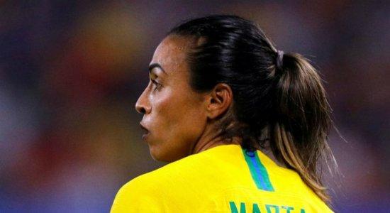 Olimpíadas: Seleção brasileira feminina de futebol vence China por 5x0 na estreia, com 2 gols de Marta