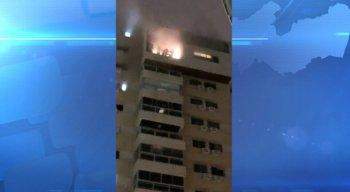 A fumaça se alastrou rapidamente pelo fosso do elevador e acabou atingindo os apartamentos