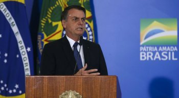 Pela manhã, o porta-voz do Palácio do Planalto havia dito que o governo não revogaria o decreto