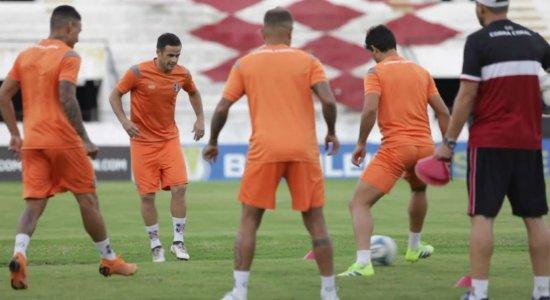 Preparador físico do Santa Cruz não é a favor de volta dos treinamentos sem previsão de retorno do futebol