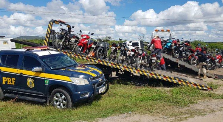 Diversos veículos foram abordados durante a operação nas rodovias federais