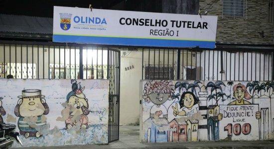 Crianças são encontradas em situação de abandono em casa de Olinda