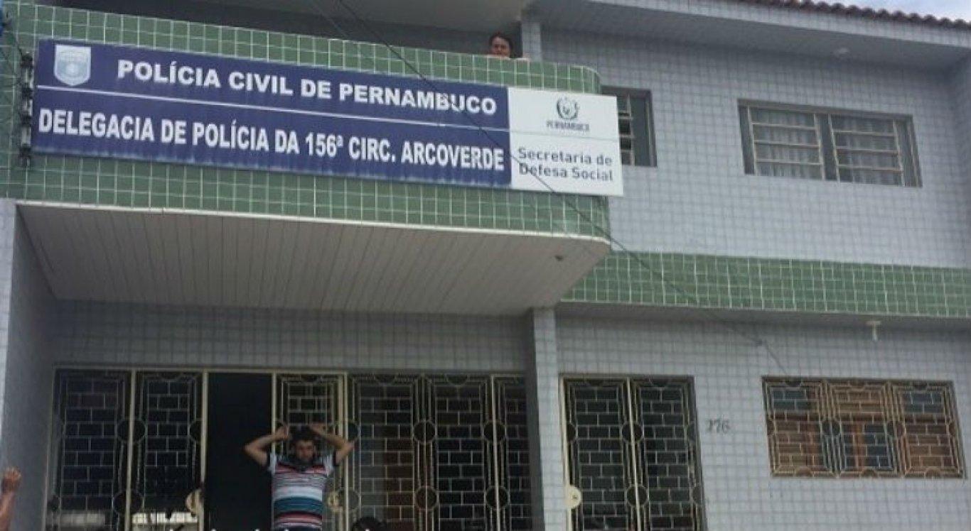 Adolescente foi levada para a Delegacia de Arcoverde