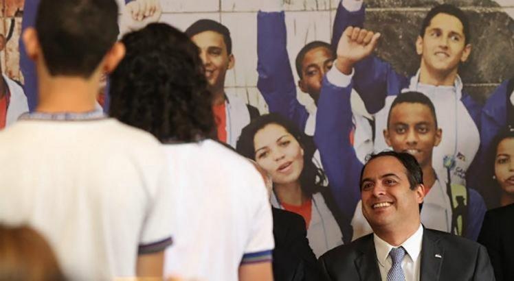 Programa Ganhe o Mundo é uma das vitrines do Governo de Pernambuco