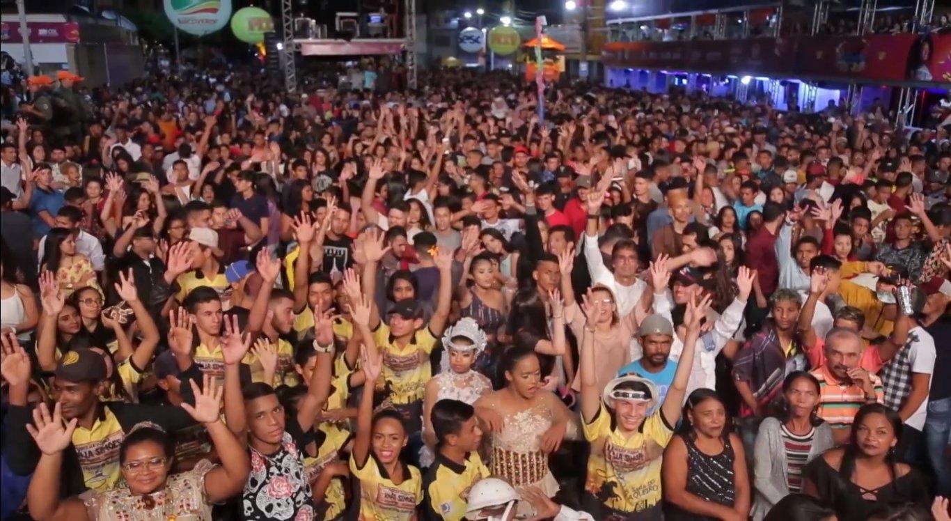 Com média de público de 60 mil pessoas por noite, o São João contagia a todos