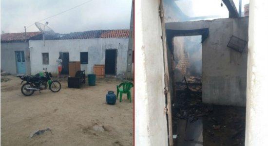 Homem é preso após atear fogo na casa da mãe em Brejo da Madre de Deus