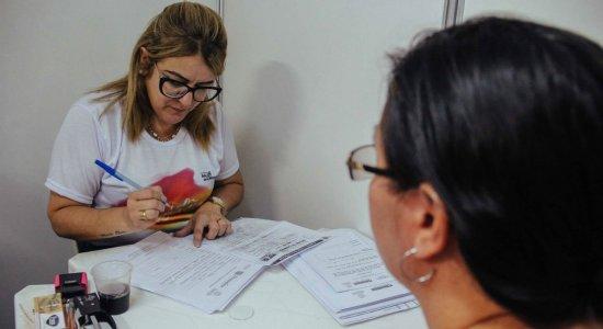 Moradores do Ibura recebem ação de emissão de documentos