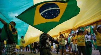 As manifestações aconteceram em várias cidades do país, inclusive no Recife