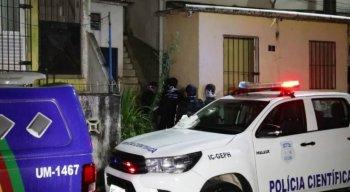 O corpo estava em uma residência na Rua Quatro, conhecida como Rua do Túnel