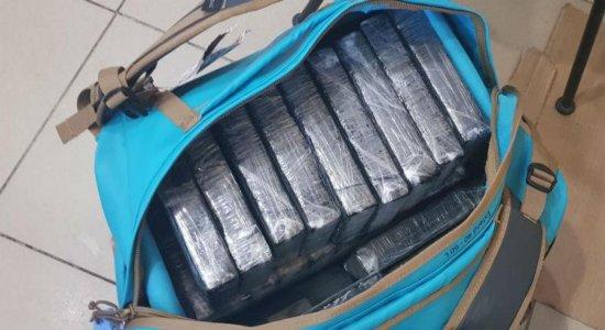 Apreendidos 35,2 quilos de cocaína em bolsa no Aeroporto do Recife