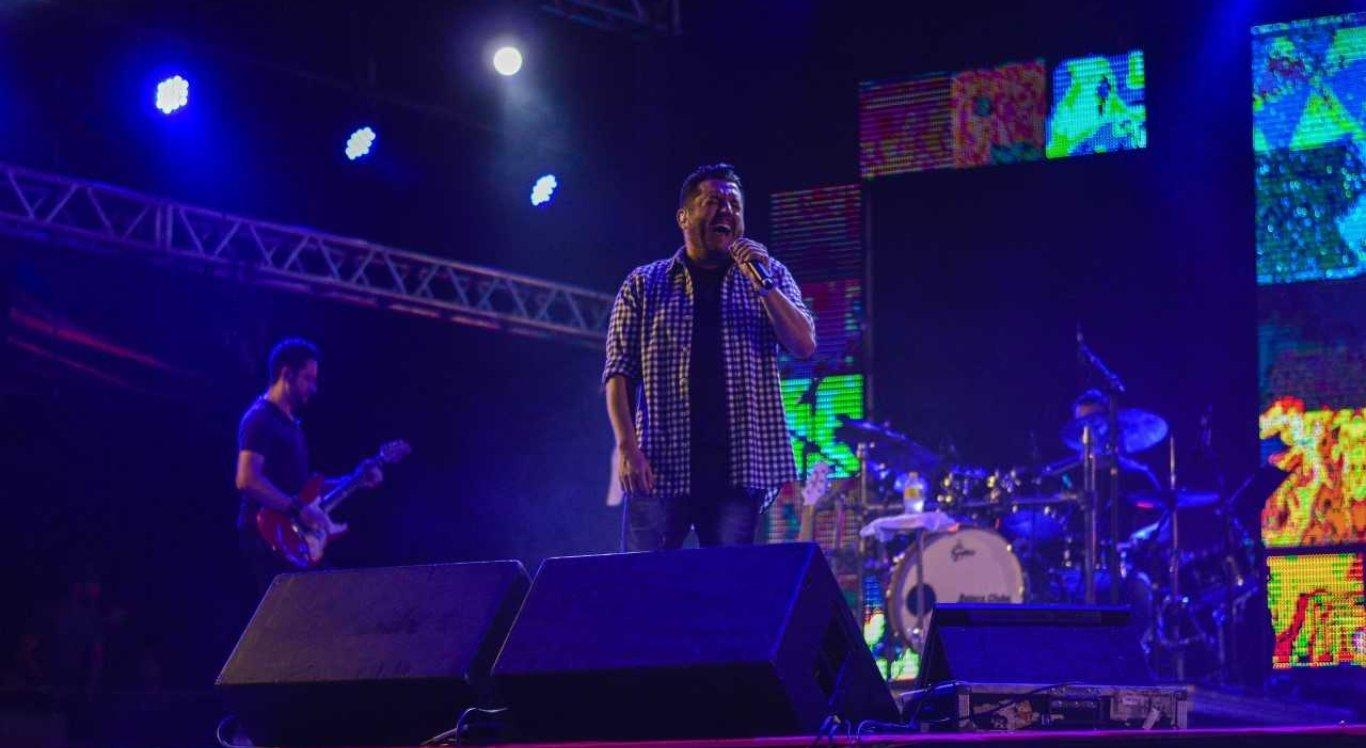 Bruno e Marrone fizeram o público cantar junto no São João