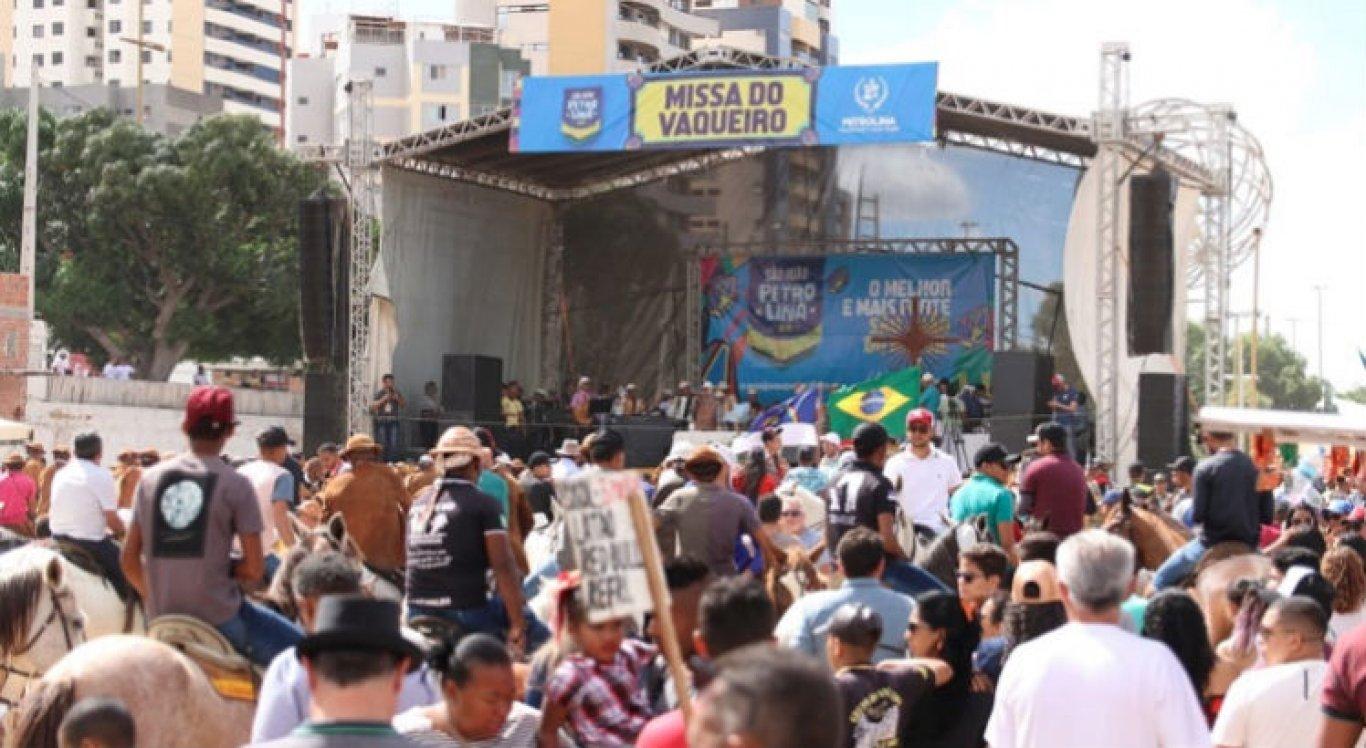 Missa do Vaqueiro foi realizada no Estádio Paulo Coelho