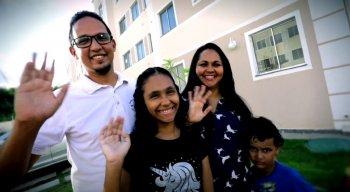 O jornalista Marcílio Albuquerque e família aprovam condomínio do Minha Casa Minha Vida