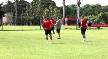 Guto Ferreira comandou treinamento no CT do Sport