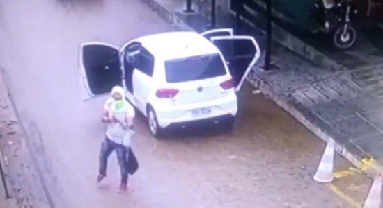 Vídeos mostram ação que terminou com policial morto e outro ferido