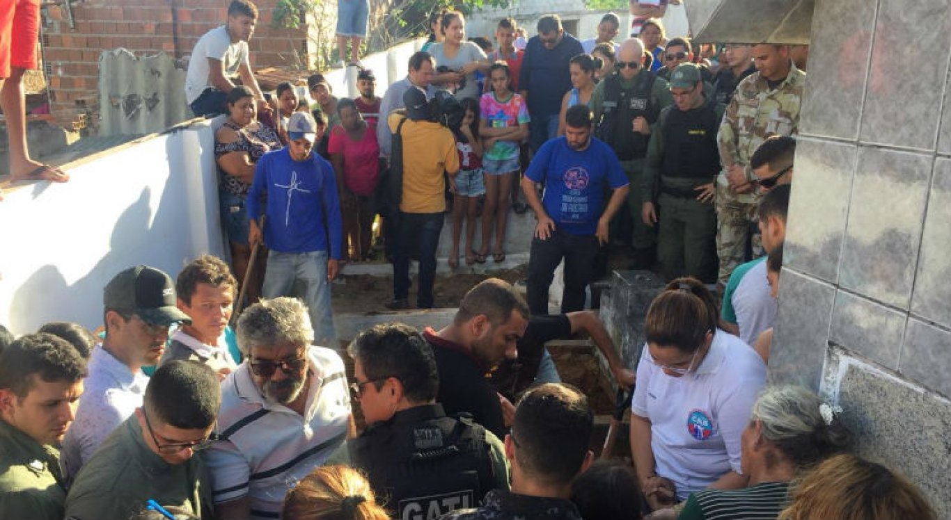 Enterro do policial militar é realizada nesta tarde em Santa Maria do Cambucá
