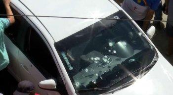 Carro estava com marcas de tiros