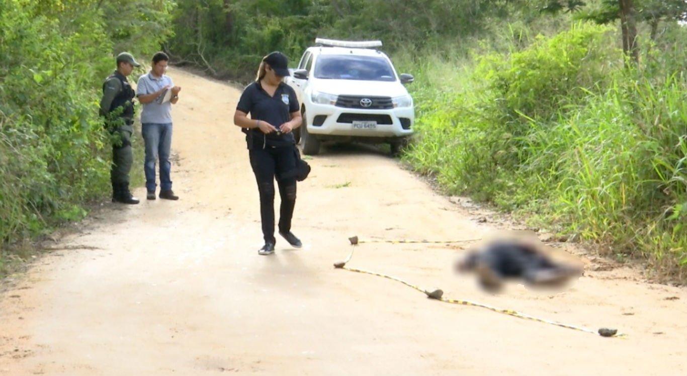 O corpo do homem foi encontrado com disparos no sítio Estivas