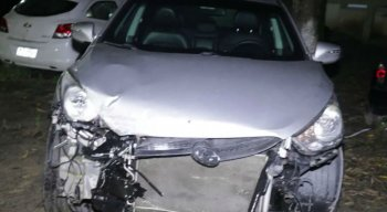 Suspeitos teriam usado carro roubado