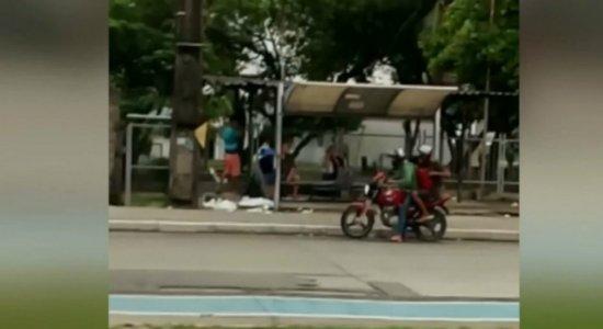 Usuário de ônibus escapa de assalto e filma o crime em Prazeres