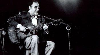 Considerado pai da bossa nova, João Gilberto morreu aos 88 anos, no Rio de Janeiro