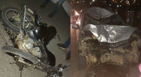 Dois jovens morrem vítimas de colisão de moto com carro no Agreste