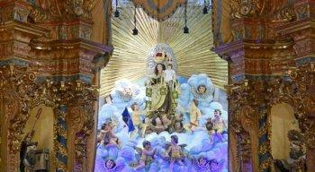 Trono de Nossa Senhora na Basílica do Carmo teve as imagens restauradas