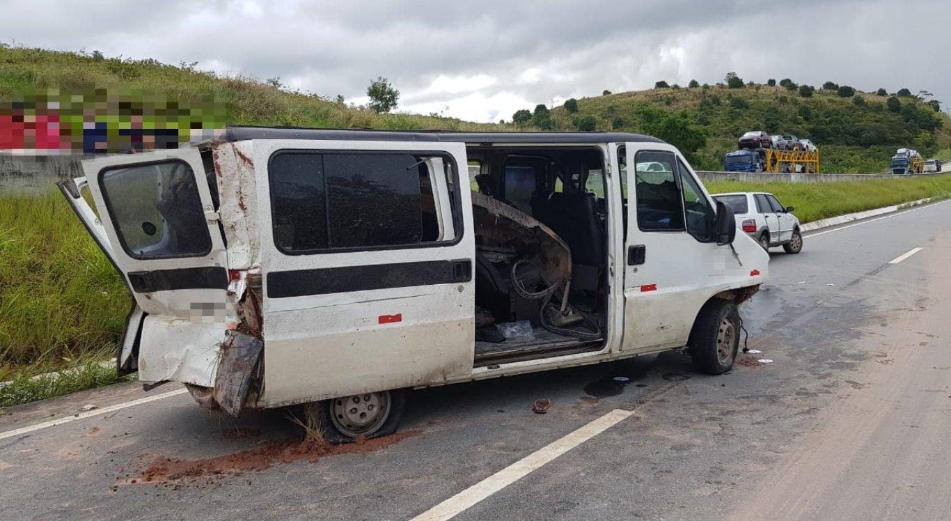 O acidente deixou um passageiro ferido e outro morto