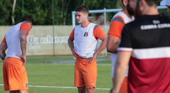 Santa Cruz: Volante Kadu realiza primeiro treino com a equipe