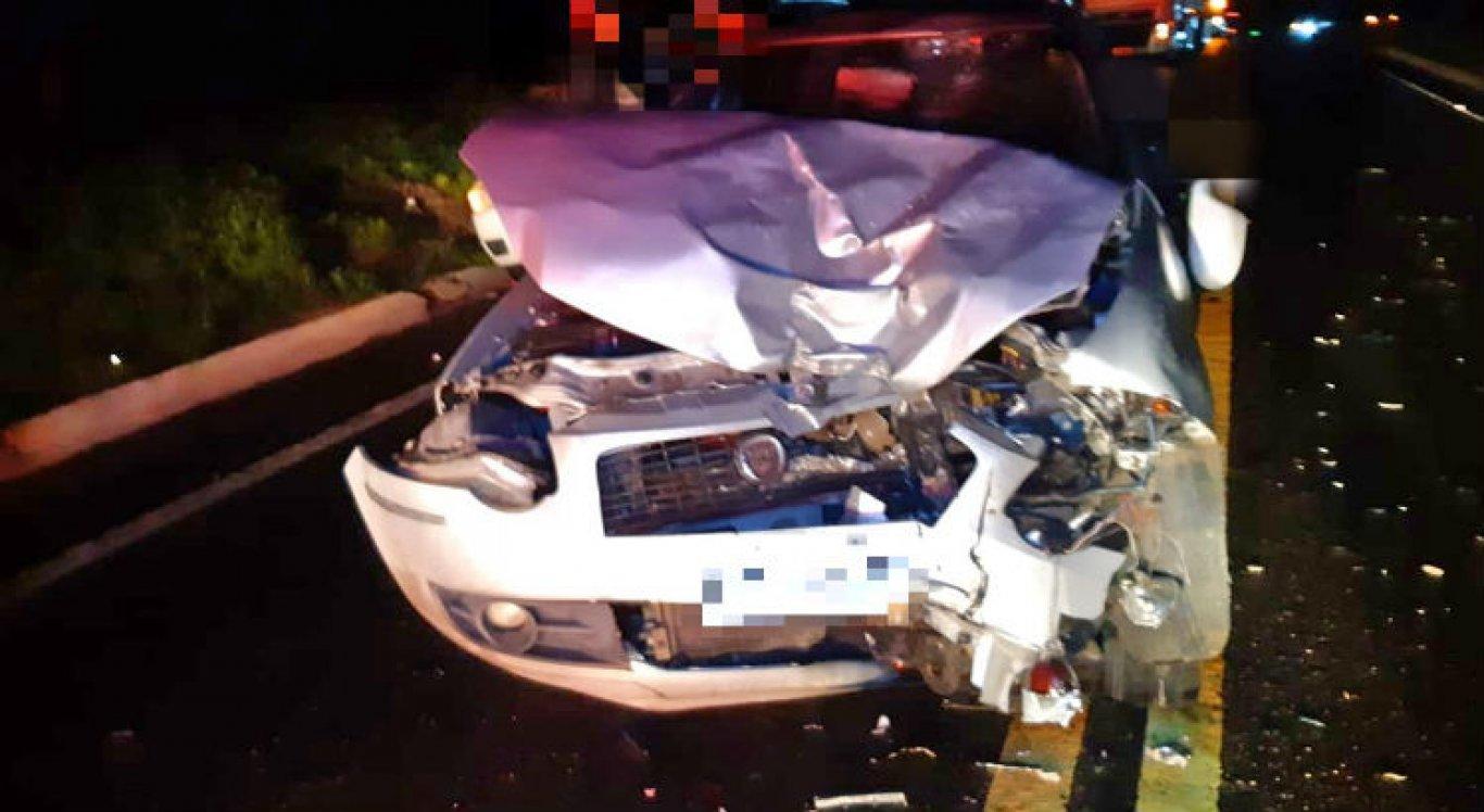 Motorista do carro não ficou ferido; ele permaneceu no local do acidente