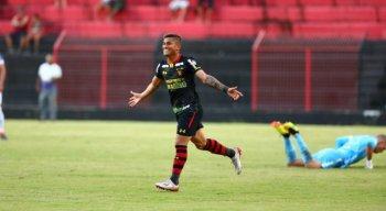 Yan marcou um dos gols da vitória do Sport diante do CSA em amistoso na Ilha do Retiro.
