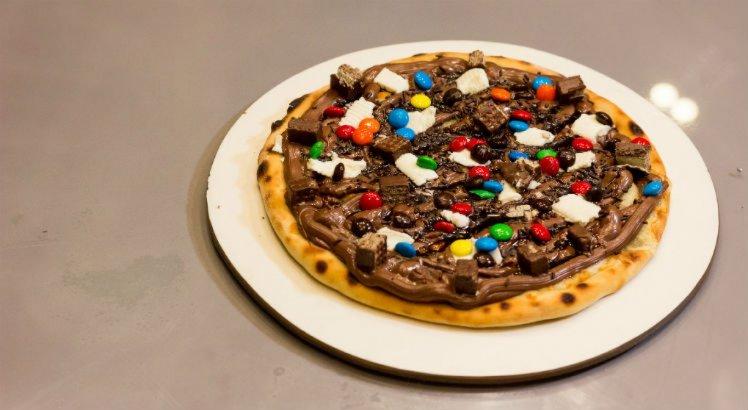 Pizza seis chocolates é uma das queridinhas na hora da sobremesa