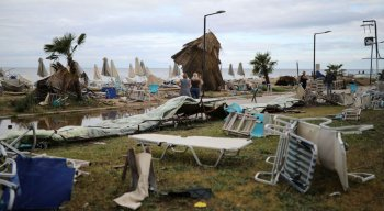 Testemunhas relataram que a tempestade na Grécia chegou e passou em questão de minutos